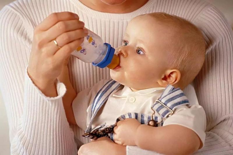 母乳和奶粉要怎么混合喂?你会吗?_儿童护理奶粉-混合-奶嘴