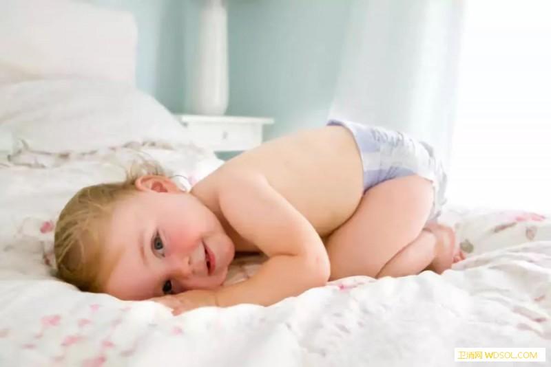 宝宝放屁如何判断健康问题_便便-月龄-食物-家长-妈妈-情况-宝宝-