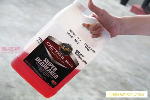 如何清洗路上的油渍用去油产品清除车道上的油_油渍-油污-车道-泥煤- ()