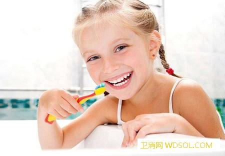 如何让孩子不在排斥洗头和刷牙_梳头-梳子-洗头-刷牙-
