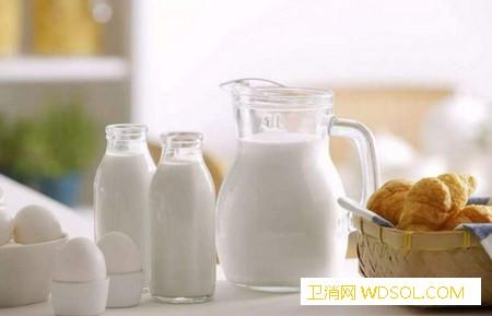 初乳对新生儿有什么好_初乳-所需-母乳-蛋白质-