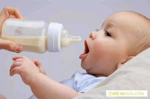 小孩子打嗝怎么喂奶?_打嗝-喂奶-哭闹-家长们- ()