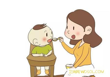 父母给孩子喂饭的坏处有哪些_吃饭-父母-宝宝-孩子-