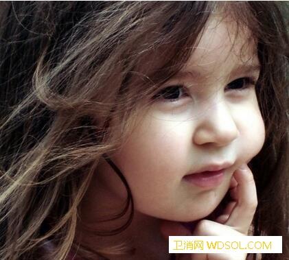 新生儿耳朵进水怎么办小宝宝洗澡耳朵进水怎么_灯芯-棉织品-进水-数次-