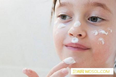 宝宝冬季皮肤护理很重要!_抗寒-冻伤-软膏-温差-