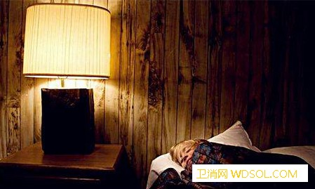 宝宝睡觉要开灯吗?_开灯-睡眠-灯光-睡觉-