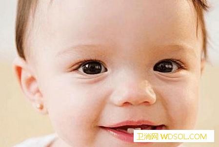 宝宝牙齿保养注意这三点_刷牙-牙齿-吃饭-身体-