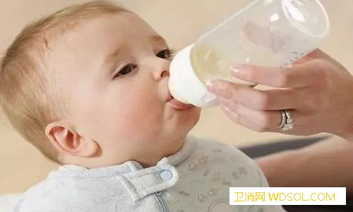 小宝宝便便中有奶瓣怎么回事?_母乳-奶粉-便便-妈妈-