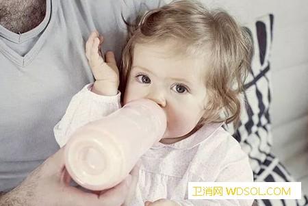 亲喂和瓶喂该如何自然过渡?_母乳-奶瓶-接受-妈妈- ()