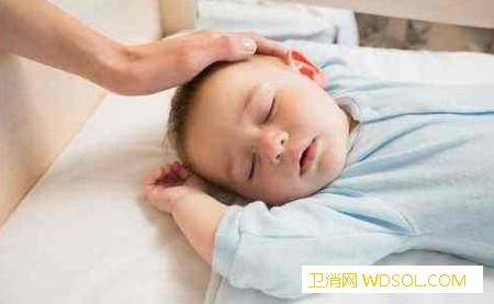 宝宝睡眠的正确姿势是什么_奶头-侧卧-枕头-睡眠-