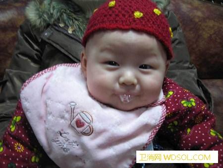 宝宝经常吐泡泡是怎么回事_唾液-流口水-分泌-口腔-