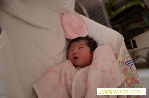 宝宝38周出生和40周出生有什么区别_足月-剖腹产-肺部-胎儿-