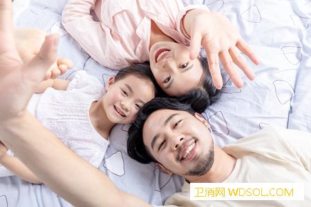 孕期胎儿和孕妇是一起睡觉吗_羊水-还会-感受到-胎儿-