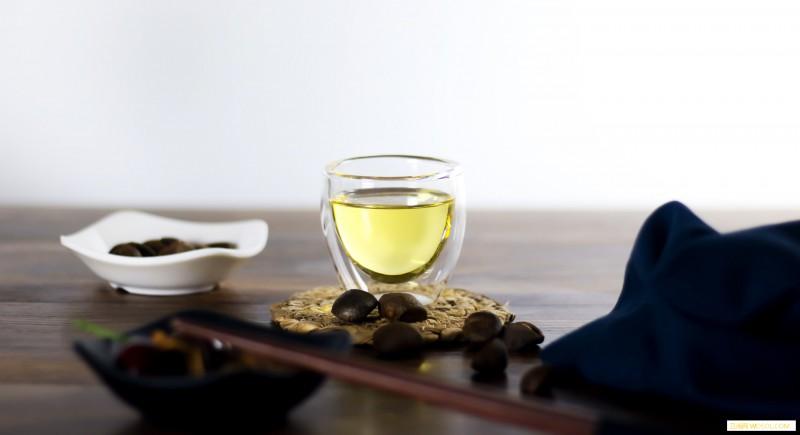 宝宝长痱子可以擦茶油吗_痱子粉-茶油-痱子-患处-