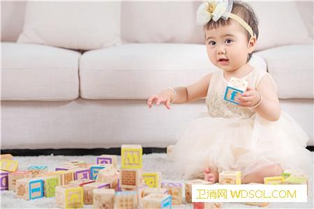 2019年十个月宝宝头围标准是多少_软尺-头发-衣物-依恋-