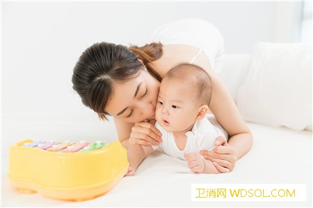 2019年一个月宝宝护理要点_脐带-奶瓶-湿疹-个月-