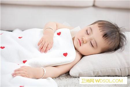 三个月宝宝睡觉哼哼唧唧扭来扭去原因_开窗-肠胃-睡前-睡眠-