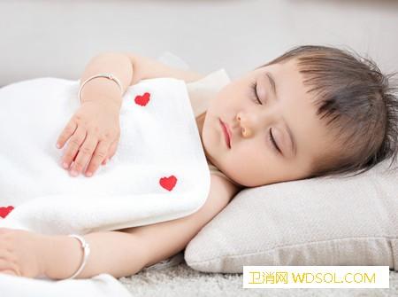 婴儿多大可以用枕头_软硬-需要用-枕头-婴儿-