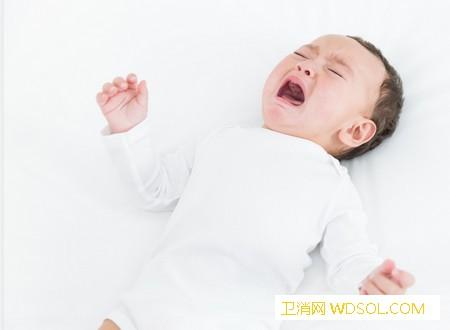 宝宝经常在傍晚时哭闹怎么回事_哭闹-换个-烦躁-黄昏-