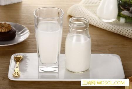 宝宝缺钙吃什么补得快_草酸-维生素-补钙-牛奶-