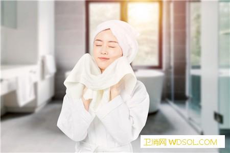 冬天洗冷水澡会得风湿吗_受冷-风湿性关节炎-软组织-收缩-