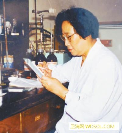 """首次发现青蒿素(新中国的""""第一"""")_奎宁-呦呦-青蒿-疟疾"""