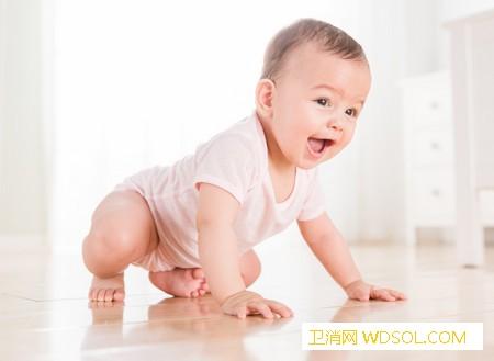1岁宝宝的发育特点_指认-栏杆-扶着-成人-