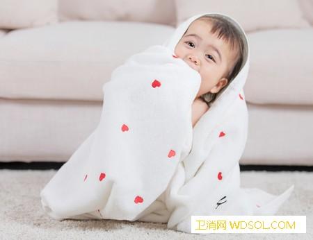 宝宝长了痤疮怎么护理_痤疮-长了-排出-衣服-